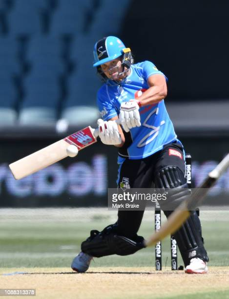 Suzie Bates of the Adelaide Strikers bats during the Women's Big Bash League match between the Adelaide Strikers and the Sydney Sixers at Adelaide...