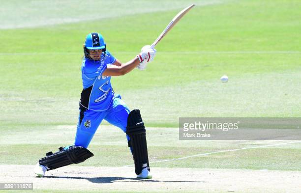 Suzie Bates of the Adelaide Strikers bats during the Women's Big Bash League WBBL match between the Strikers and the Hurricanes at Gliderol Stadium...