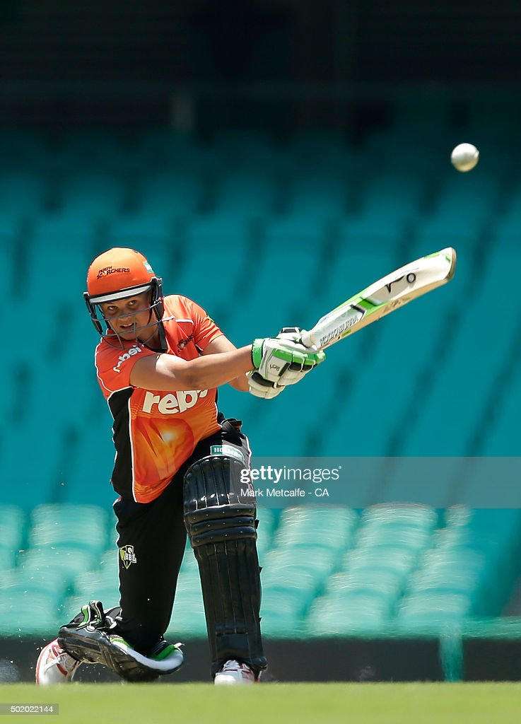 Women's Big Bash League - Sydney Sixers v Perth Scorchers