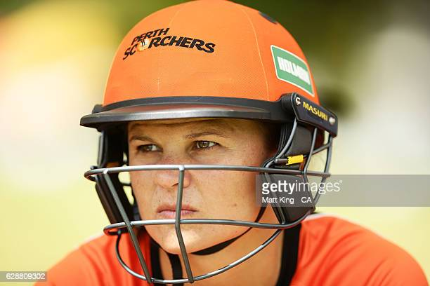 'SYDNEY AUSTRALIA DECEMBER 10 Suzie Bates of the Scorchers prepares to bat during the Women's Big Bash League match between the Hobart Hurricanes and...