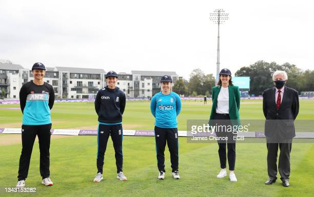 Suzie Bates, Tash Farrant, Tammy Beaumont, Lydia Greenway pose for a photo with Kent President Derek Taylor after being awarded Kent caps prior to...
