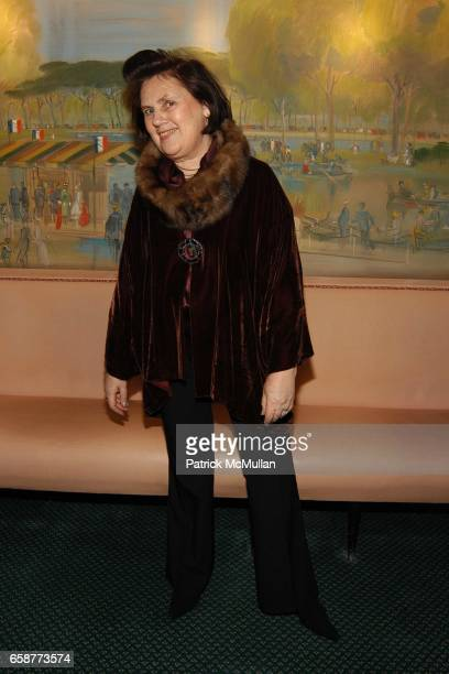 Suzy Menkes attends Andre Leon Talley and Robert Burke host at La Caravelle for Loulou de la Falaise Collection on February 12 2004