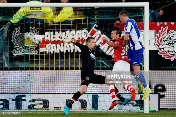 Sven Botman of SC Heerenveen scores the first goal to make it 0-1 during the Dutch Eredivisie match between AZ Alkmaar v SC Heerenveen at the AFAS...