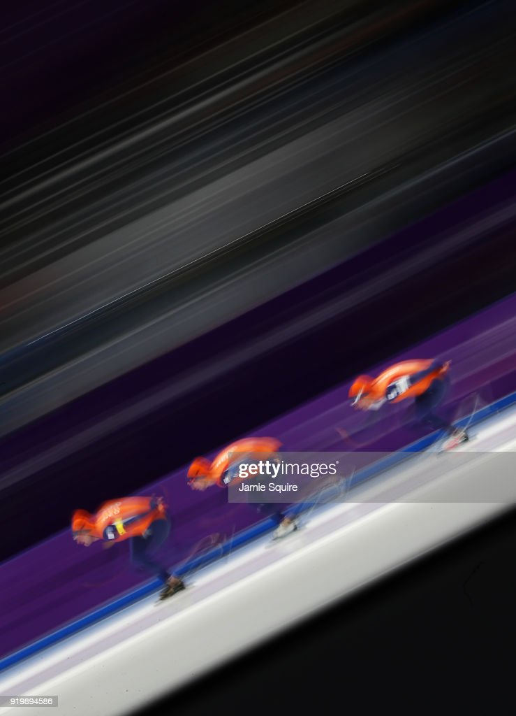 Sven Kramer, Jan Blokhuijsen and Koen Verweij of the Netherlands compete during the Men's Team Pursuit Speed Skating Quarter Finals on day nine of the PyeongChang 2018 Winter Olympic Games at Gangneung Oval on February 18, 2018 in Gangneung, South Korea.
