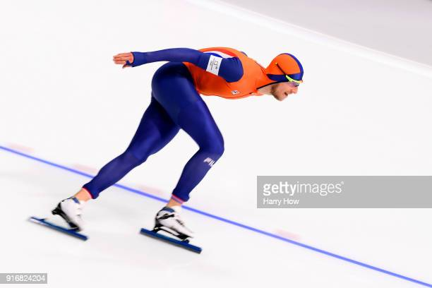 Sven Kramer of the Netherlands competes during the Men's 5000m Speed Skating event on day two of the PyeongChang 2018 Winter Olympic Games at...