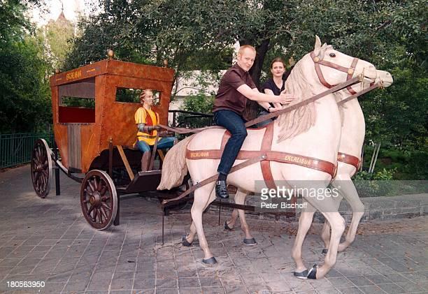 Sven Riemann Ehefrau Cathrin vor HotelExcalibur Las Vegas/USA/AmerikaKutsche mit Pferden