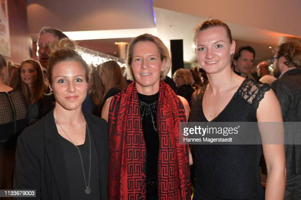 Svenja Huth Martina VossTecklenburg and Alexandra Popp from the Germany women's soccer team during the premiere of the film 'Trautmann' at Mathaeser...
