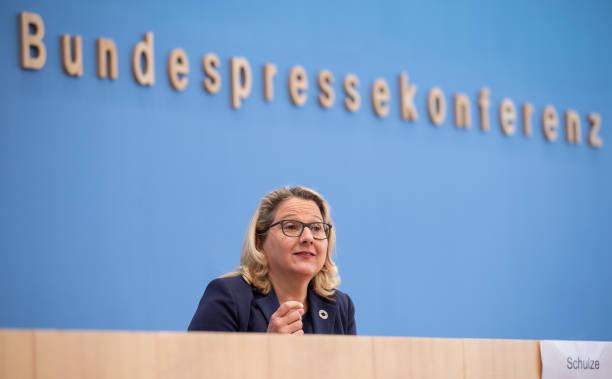 DEU: Environment Minister Svenja Schulze Speaks On Climate Law Amendments