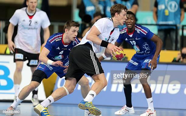 SvenSören Christophersen gegen Xavier BARACHET Luc ABALO Handball Männer Weltmeisterschaft Frankreich Deutschland mens handball worldchampionchip...