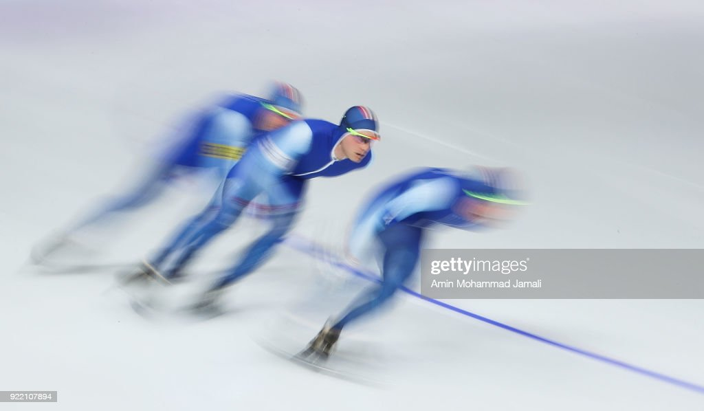 Speed Skating - Winter Olympics Day 12 : ニュース写真