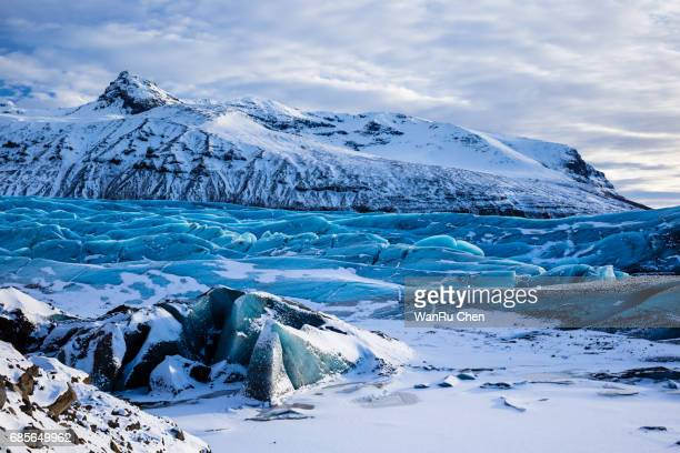svinafellsjokull, part of vatnajokull glacier in skaftafell national park. iceland - バトナ氷河 ストックフォトと画像