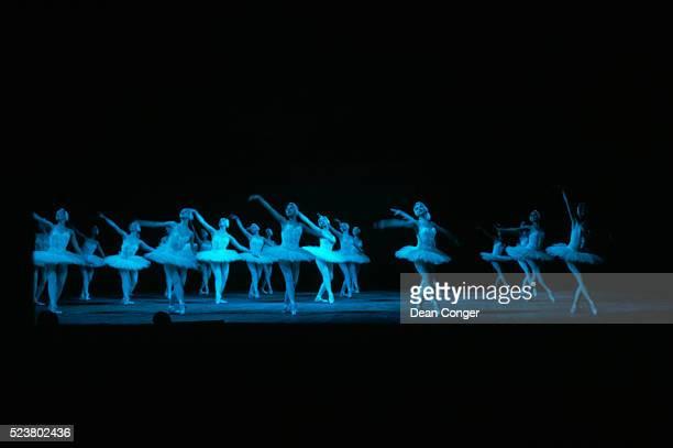 swan lake at bolshoi theater - ロシアバレエ団 ストックフォトと画像