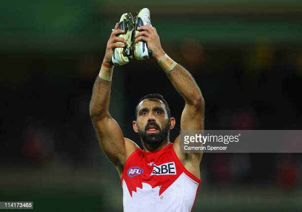 Swans captain Adam Goodes thanks the crowd after winning the round eight AFL match between the Sydney Swans and the Port Adelaide Power at Sydney...