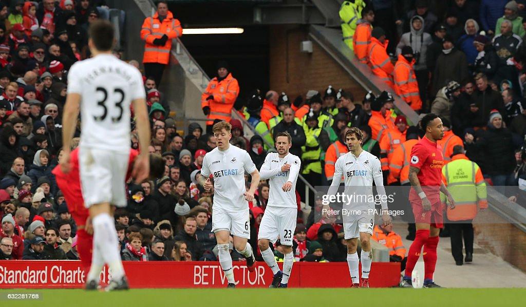 Liverpool v Swansea City - Premier League - Anfield : News Photo