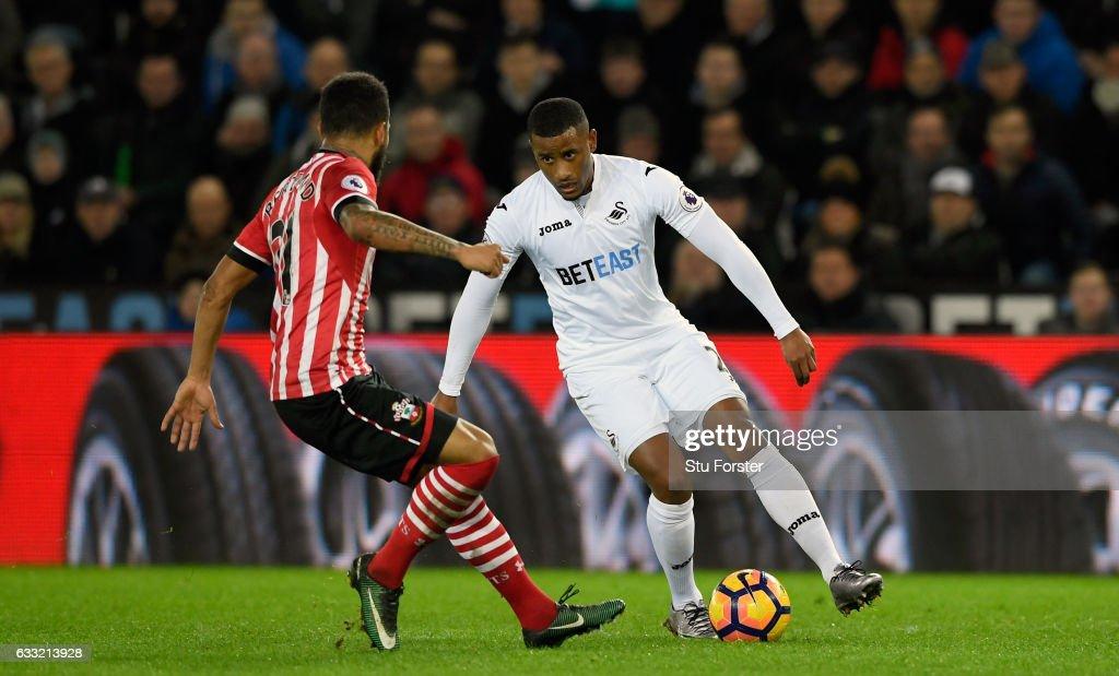Swansea City v Southampton - Premier League : Foto jornalística