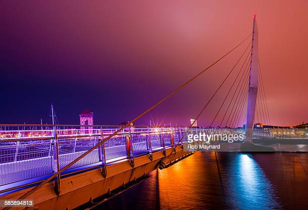 swansea sail bridge - スワンシー ストックフォトと画像