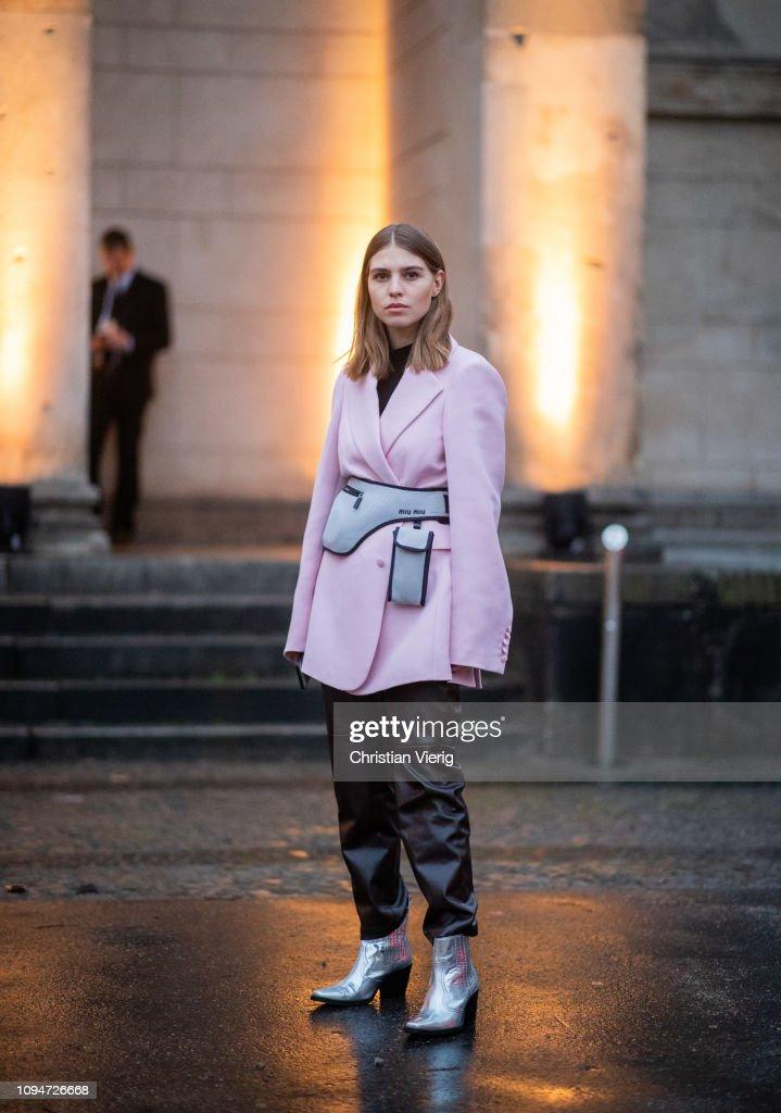 Street Style - Berlin Fashion Week Autumn/Winter 2019 : News Photo