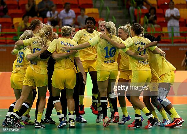 Sweden celebrates the win over Korea on Day 3 of the Rio 2016 Olympic Games at the Future Arena on August 8, 2016 in Rio de Janeiro, Bra