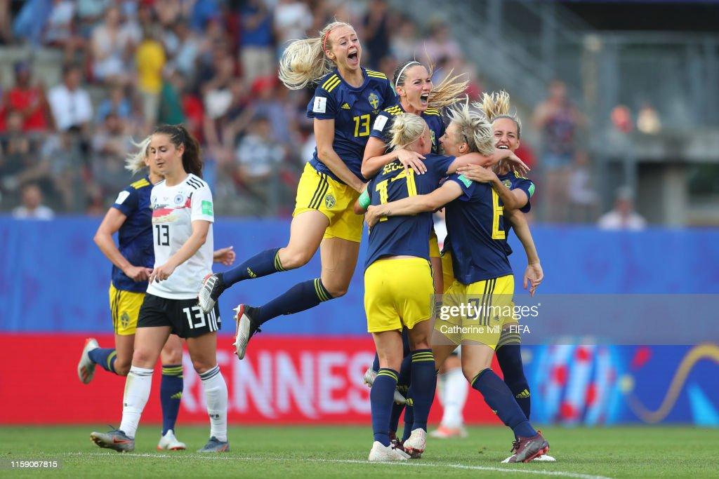 Germany v Sweden: Quarter Final  - 2019 FIFA Women's World Cup France : Photo d'actualité