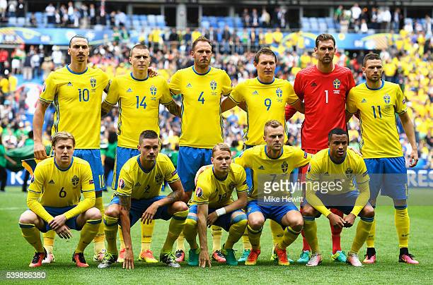Sweden players line up for the team photos prior to the UEFA EURO 2016 Group E match between Republic of Ireland and Sweden at Stade de France on...