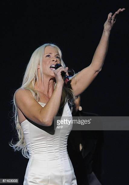 Sweden 's entry into the Eurovision 2009 song contest Malena Ernman performs during the final dress rehearsal in Moscow on May 16 2009 AFP PHOTO /...