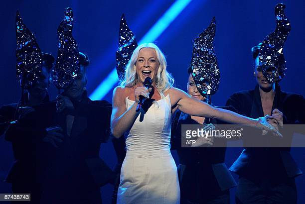 Sweden 's entry into the Eurovision 2009 song contest Malena Ernman performs during the Eurovision grand final in Moscow on May 16 2009 AFP PHOTO /...
