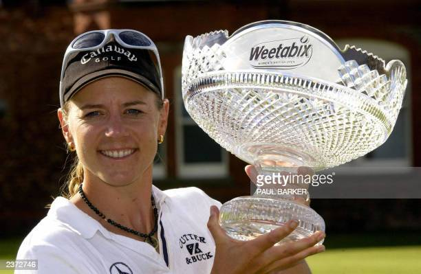 Sweden's Annika Sorenstam holds the trophy after winning the Women's British Open Golf 03 August 2003 at Royal Lytham St Annes