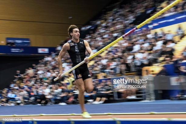 Sweden's Armand Duplantis competes and passes a 601m bar during the All Star Perche pole vaulting athletics meeting at la Maison des Sports in...