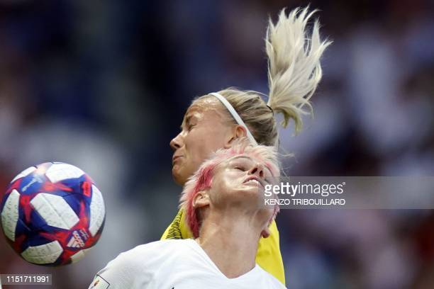 Sweden's defender Hanna Glas vies with Canada's midfielder Sophie Schmidt during the France 2019 Women's World Cup round of sixteen football match...