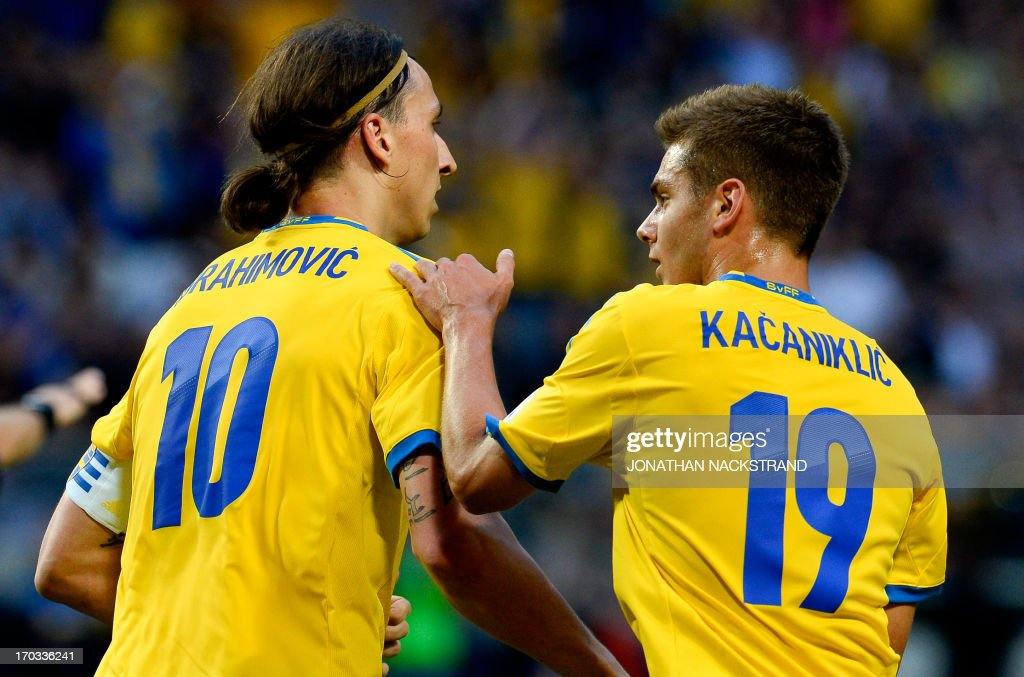 FBL-WC2014-SWE-FRO : News Photo