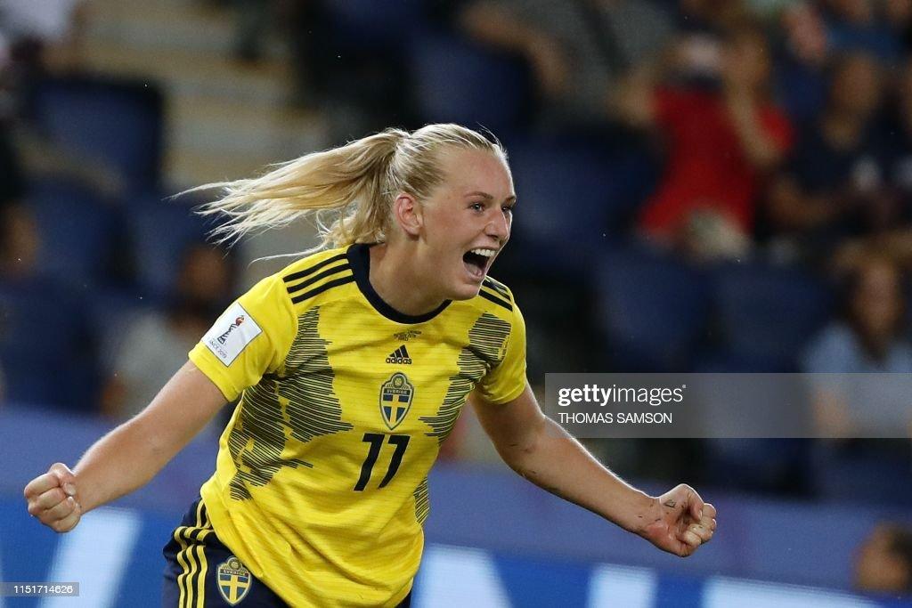 FBL-WC-2019-WOMEN-MATCH42-SWE-CAN : ニュース写真