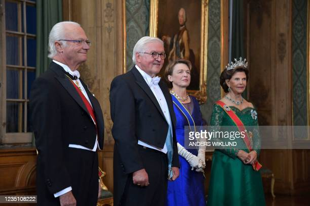 Sweden's King Carl Gustaf, German President Frank-Walter Steinmeier and his wife Elke Buedenbender and Queen Silvia arrive for a State Banquet at the...