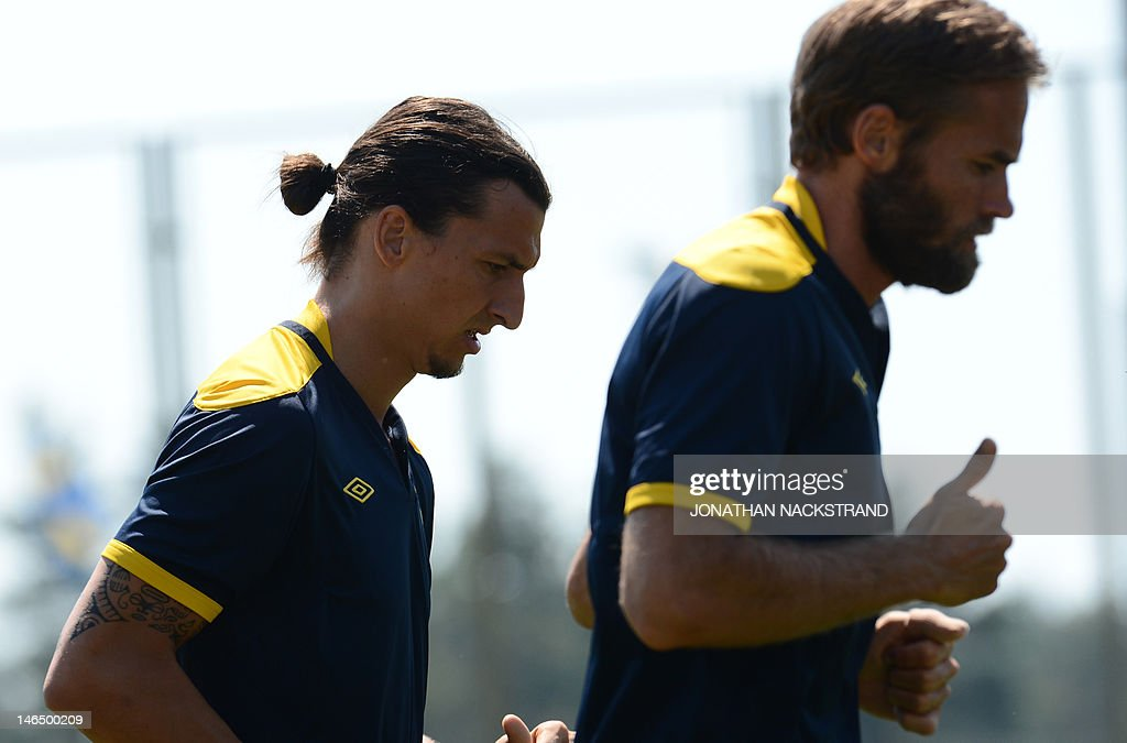 Sweden's national football players, defe : News Photo