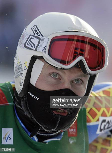 Sweden's Patrick Jaerbyn wears a mask to protect his face from the cold during the men's downhill training 07 February 2007 at the Alpine World Ski...