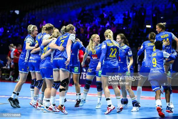 Sweden's players celebrate at the end of the match during the EHF Euro match between Sweden and Russia on December 12 2018 in Nantes France