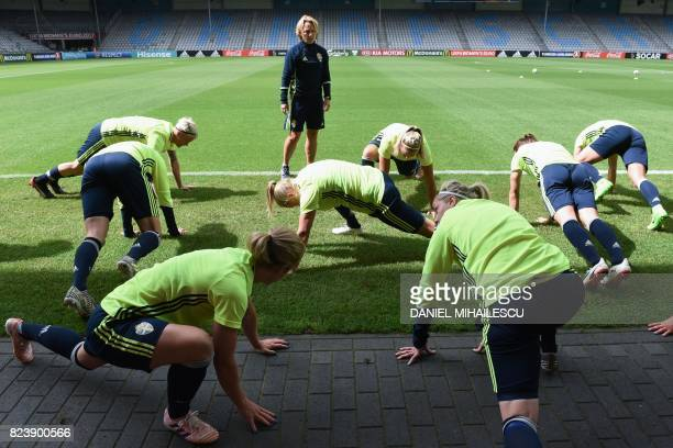 Sweden's players take part in a training session during the UEFA Women's Euro 2017 football tournament at Stadion De Vijverberg in Doetinchem on July...