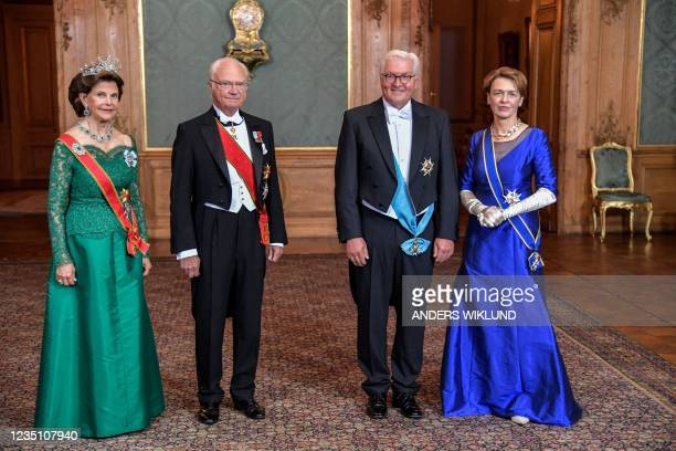 Sweden's Queen Silvia, King Carl Gustaf, German President Frank-Walter Steinmeier and his wife Elke Buedenbender pose for a photo before a State...
