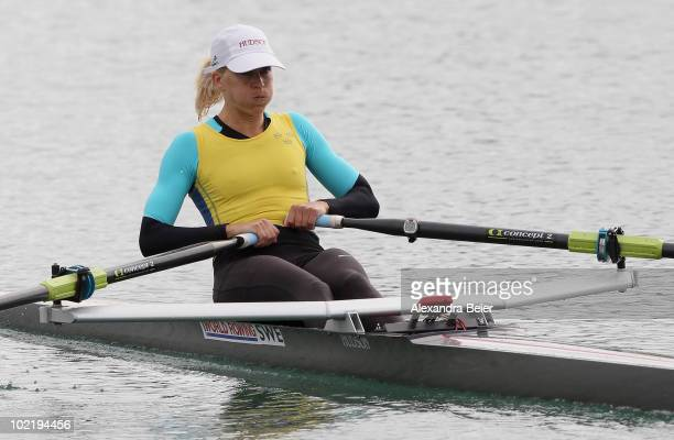 Sweden's Sara Karlsson rows in the women's lightweight single sculls qualification heat of the FISA Rowing World Cup on June 18, 2010 in Munich,...