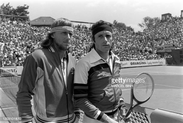 Sweden's tennis player Bjorn Borg and Argentinian Guillermo Vilas pose before the men's single final at the French tennis Open of Roland Garros 11...
