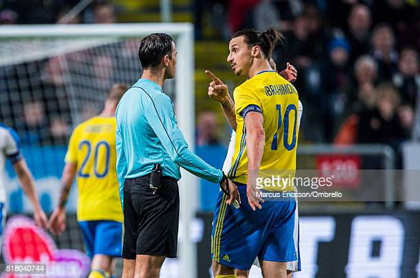 Swedens Zlatan Ibrahimovic letting the referee Bas Nijhuis know what he thinks his eyes during the international friendly between Sweden and Czech...