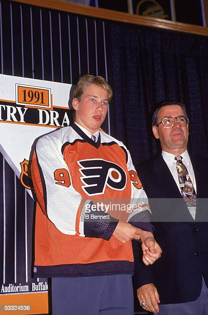 Swediah hockey player Peter Forsberg wearing a Philadelphia Flyers jersey at the NHL Entry Draft 1991