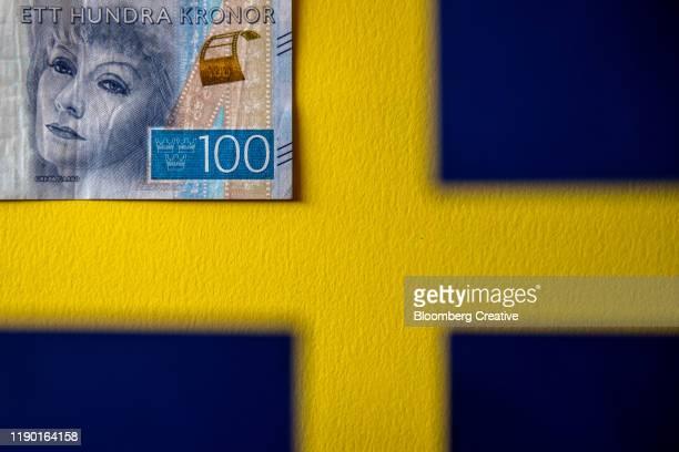 swedish 100 krona banknote - スウェーデン通貨 ストックフォトと画像