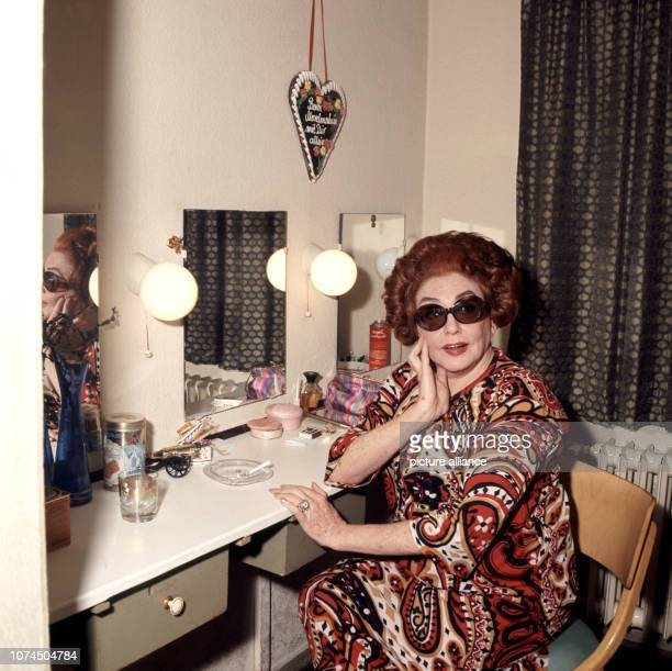Swedish actress and singer Zarah leander inbetween two performances in her dressing room of the Hamburg Operetta House where she starred in 'Wodka...