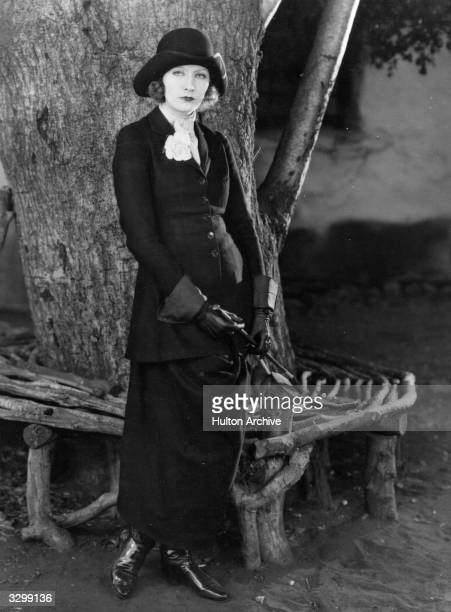Swedish actress Greta Garbo plays the heroine Anna Karenina who leaves her husband and child for the passionate Count Vronsky in the film 'Love'...