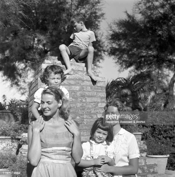 Swedish actress Ingrid Bergman in her villa with her children Pia Lindstrom, Isabella, Isotta Ingrid e Robertino Rossellini. Santa Marinella, 1959