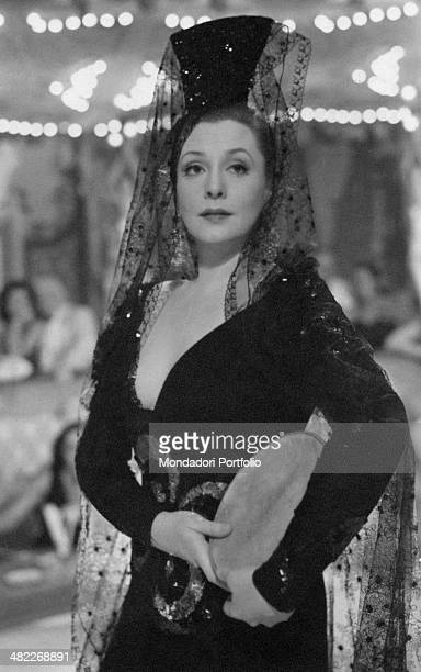 Swedish actress Zarah Leander in a scene from the movie At That Time by German director Rolf Hansen she as Vera Meiners is dressed in an eccentric...