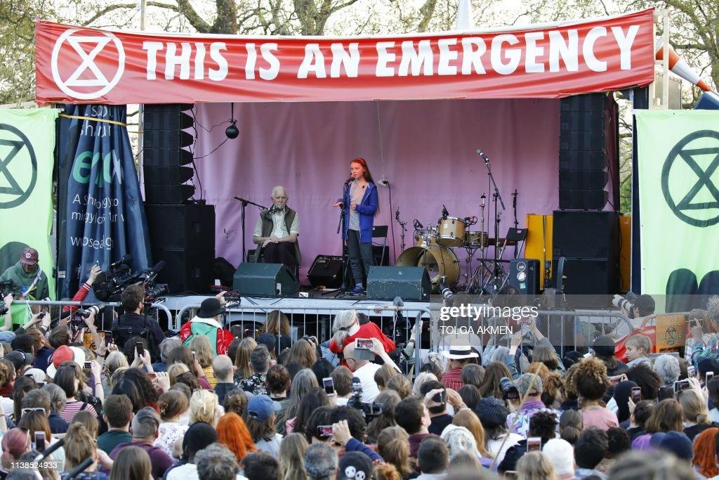 BRITAIN-POLITICS-ENVIRONMENT-CLIMATE-DEMONSTRATION : ニュース写真