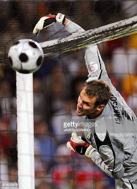 Swedish goalkeeper Andreas Isaksson catches the ball during the Euro 2008 Championships Group D football match Russia vs Sweden on June 18 2008 at...