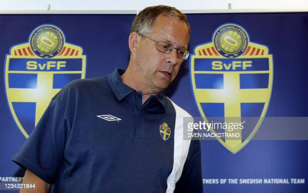 Swedish head coach Lars Lagerback enters a press conference in Bochum, 09 June 2006, in advance of the team's first match against Trinidad & Tobago...