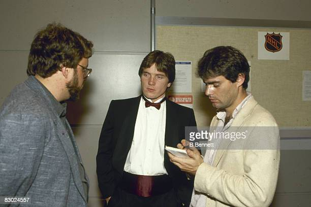 Swedish ice hockey player Pelle Lindbergh goalkeeper for the Philadelphia Flyers talks with reporters at the NHL Awards Ceremony June 1985